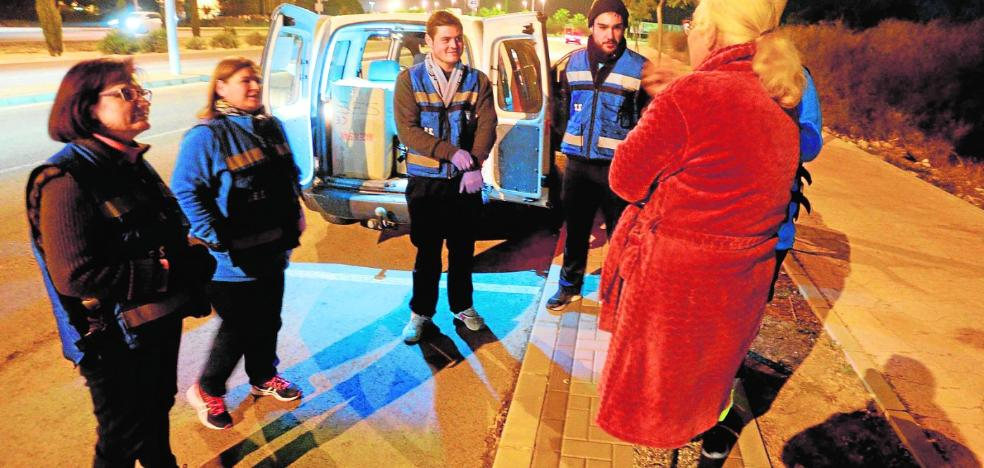 Cáritas, Cruz Roja y la Hospitalidad cuidan de que los 'sin techo' pasen menos frío