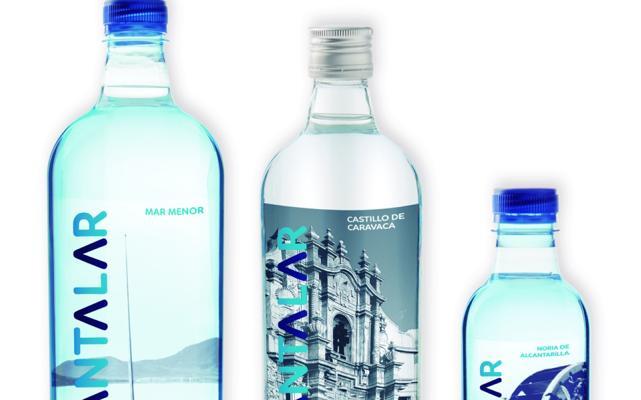 Agua de Cantalar impulsa su desarrollo con la personalización de botellas