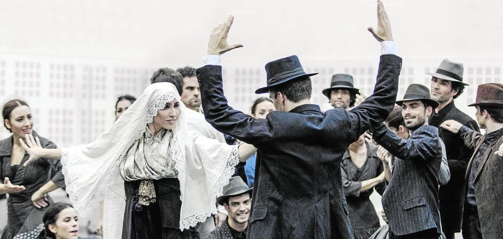 Sale a bailar la 'Electra' más mediterránea