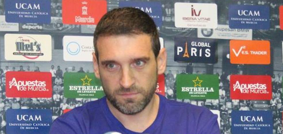 Navarro confía en el «espíritu competitivo» del UCAM para vencer al Real Madrid