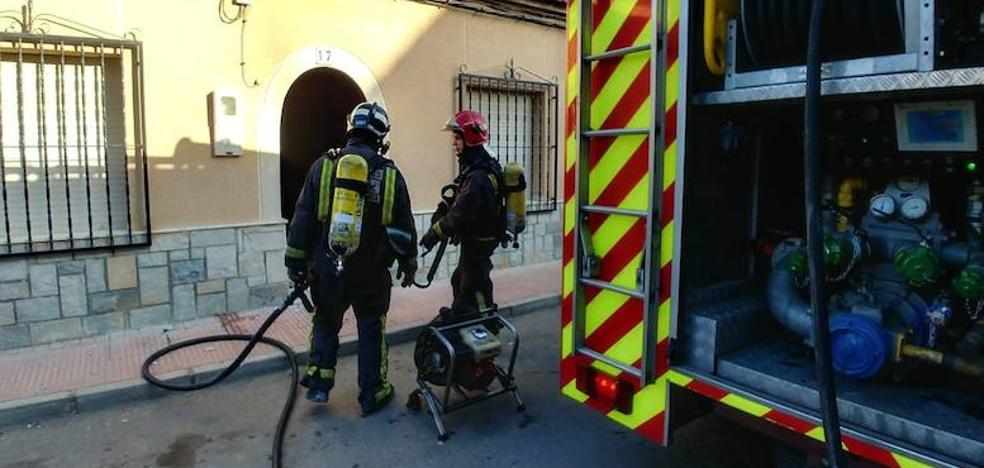 Sofocan un incendio en una vivienda de Las Torres de Cotillas