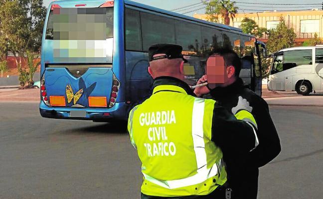 Detenidos dos chóferes de autobuses escolares bajo los efectos de las drogas