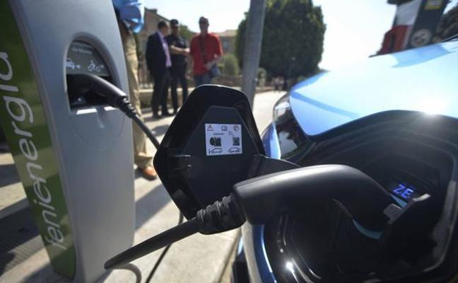 Murcia instalará cinco nuevos puntos de recarga gratuitos para vehículos eléctricos en pleno centro