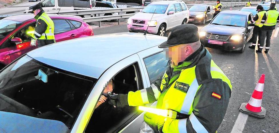 Mil conductores murcianos son pillados en autovías tras consumir alcohol o drogas