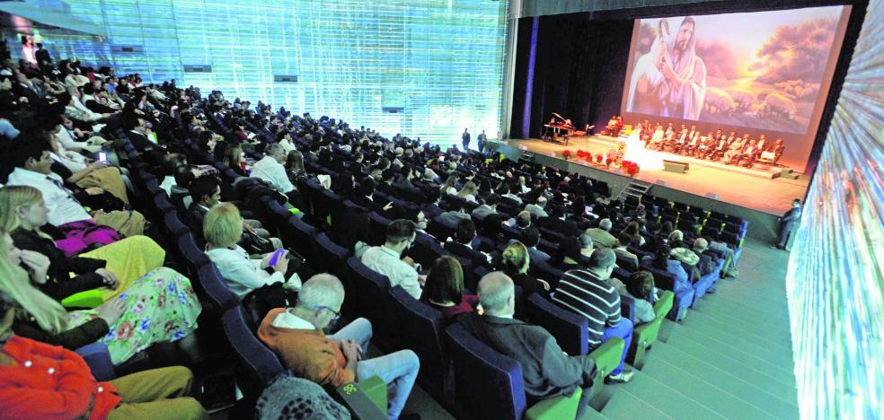 El Batel acoge a 500 mormones