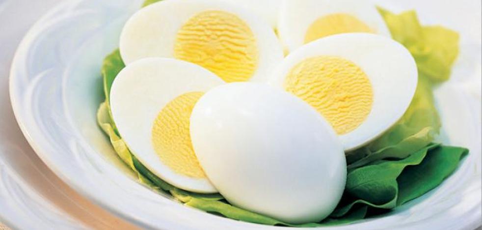 Por qué no debes recalentar un huevo ya cocido en el microondas