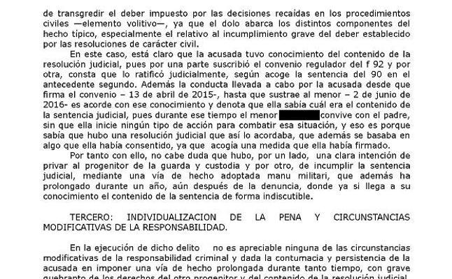 Un juez de Granada impone tres años de prisión a una madre por el secuestro de su hijo