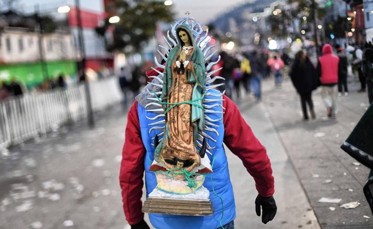 Con la Virgen a cuestas