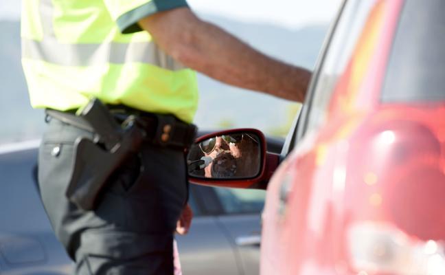 Tráfico realizará 5.000 pruebas de alcohol a conductores en 7 días