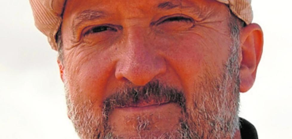 Vicente Baos: «La homeopatía carece de lógica científica, y el reiki es ridículo, un teatrillo»