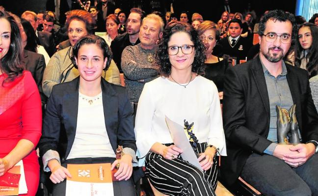 María Victoria Madrid recibe el premio a la empresaria del año de la OMEP