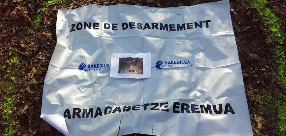 Cuatro etarras piden a París que se desmarque de España tras «aprobar» el desarme