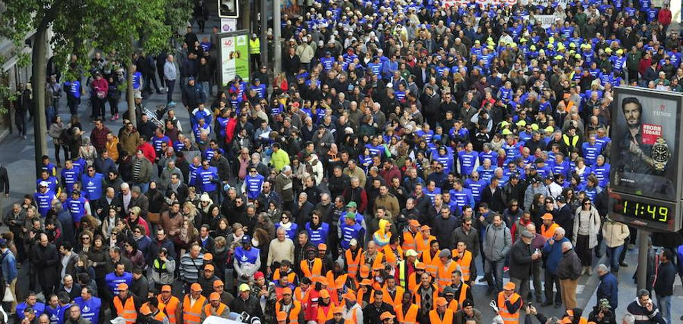 Miles de regantes reclaman en la calle «una solución definitiva para el Levante»