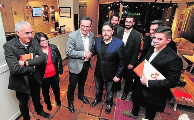 Las direcciones del PSOE y Cs estrechan lazos