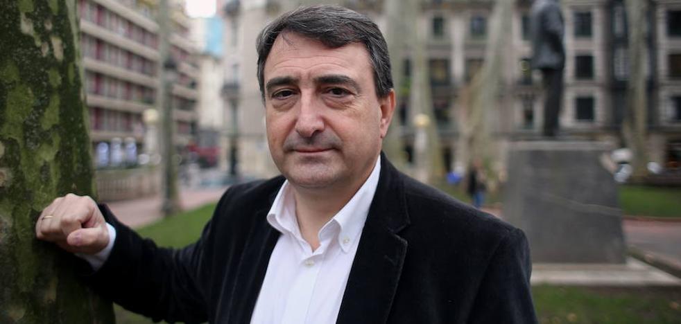Los periodistas 'castigan' a Gabriel Rufián y premian a Aitor Esteban