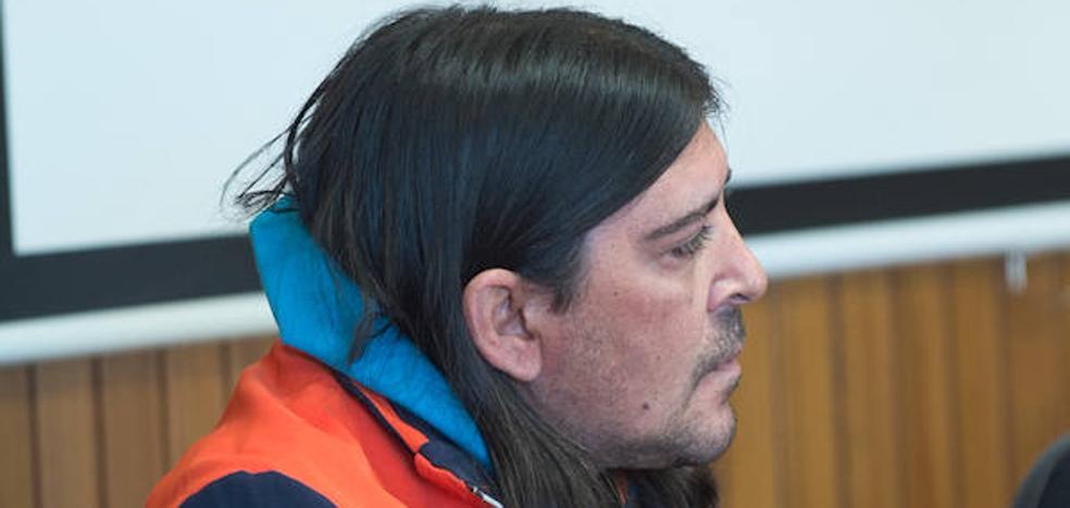 El condenado por asesinar a su hermano gemelo se muestra arrepentido y dice que lo añora