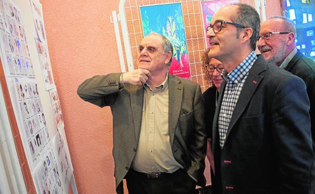 César Oliva dona a la Facultad de Letras un amplio fondo documental