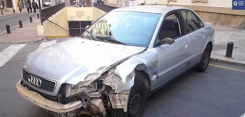 Un conductor drogado y sin carné se da a la fuga y causa numerosos daños en Murcia