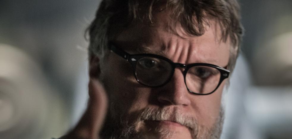 Guillermo del Toro paga la biopsia de una tuitera que solo le pedía un retuit