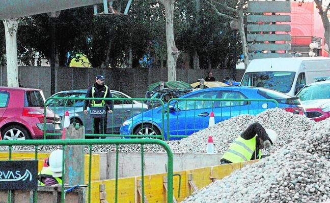 PSOE y MC se dan una tregua para acabar las obras y pagar las facturas a los proveedores
