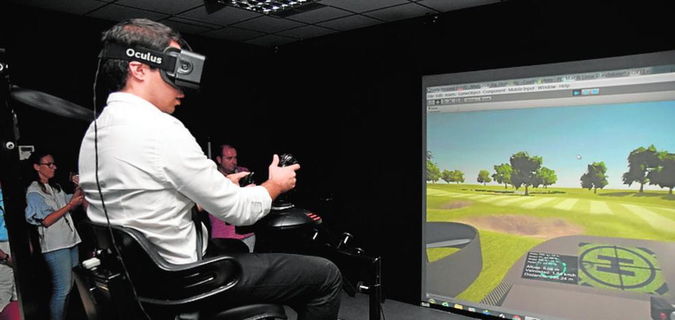Simula en realidad virtual vuelos en cuadricóptero sobre el campo de golf de La Manga