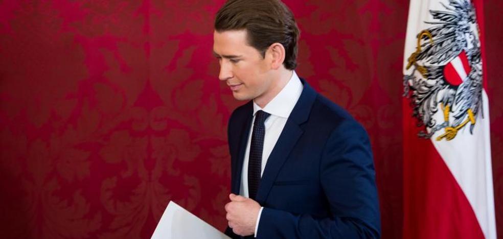 El Gobierno de conservadores y ultranacionalistas austríaco jura el cargo