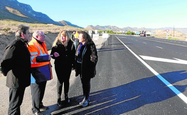Invierten 300.000 euros en arreglar dos carreteras