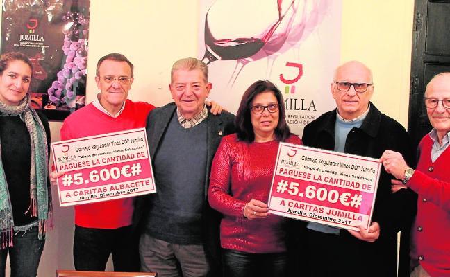 Un donativo con sabor a Jumilla para Cáritas