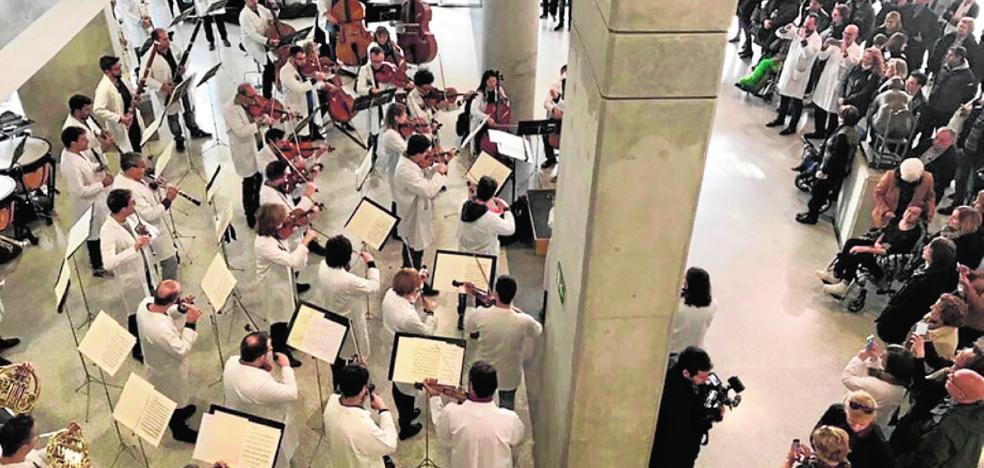 La Sinfónica lleva la música a los hospitales de la Región por Navidad
