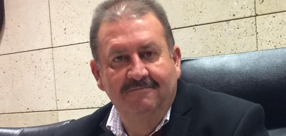 El alcalde exige a Hacienda «medidas excepcionales» ante su deuda del 300%