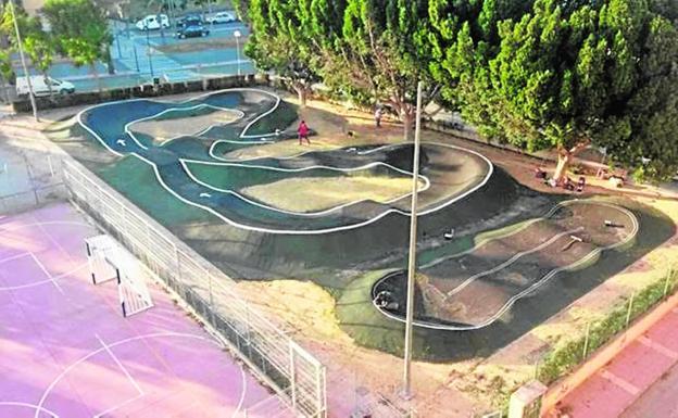 El parque 39 pump track 39 se inaugura con exhibici n la verdad for Piscina alcantarilla