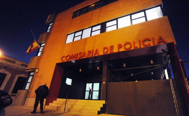 Detenido por escupir, empujar y golpear en el rostro en varias ocasiones a su novia en Murcia