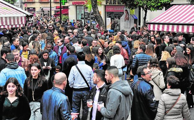 'Tardevieja' con petardos y aglomeraciones en Murcia