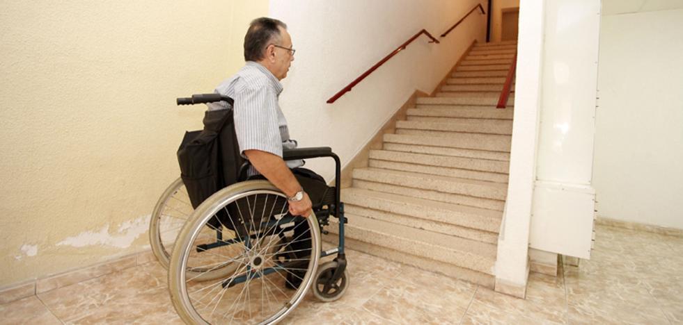 Famdif pide una evaluación de la accesibilidad del parque de viviendas regional
