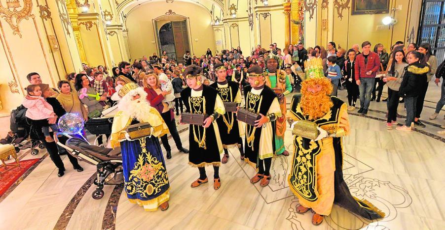 Visita de los Reyes Magos a la Capilla del Rosario