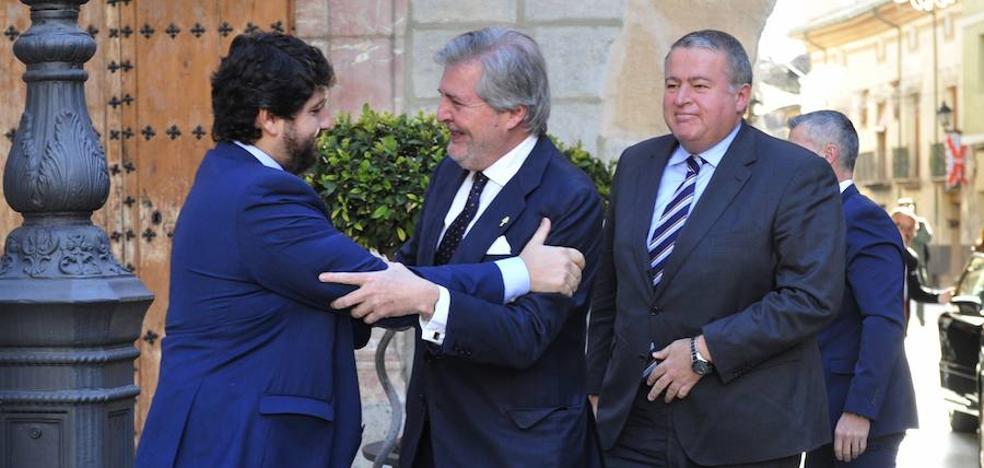 Méndez de Vigo: «Rajoy ha sido el que más ayudas hídricas ha dado a la Región»
