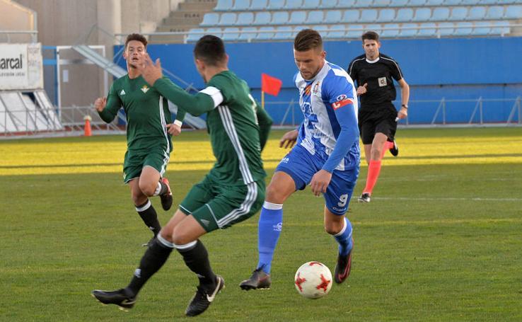 El Lorca Deportiva arranca con fuerza 2018 y vence al Betis Deportivo (3-1)