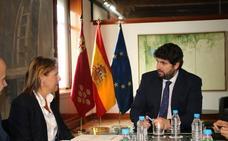 López Miras y la presidenta de Hostetur se reúnen para abordar acciones de impulso al turismo