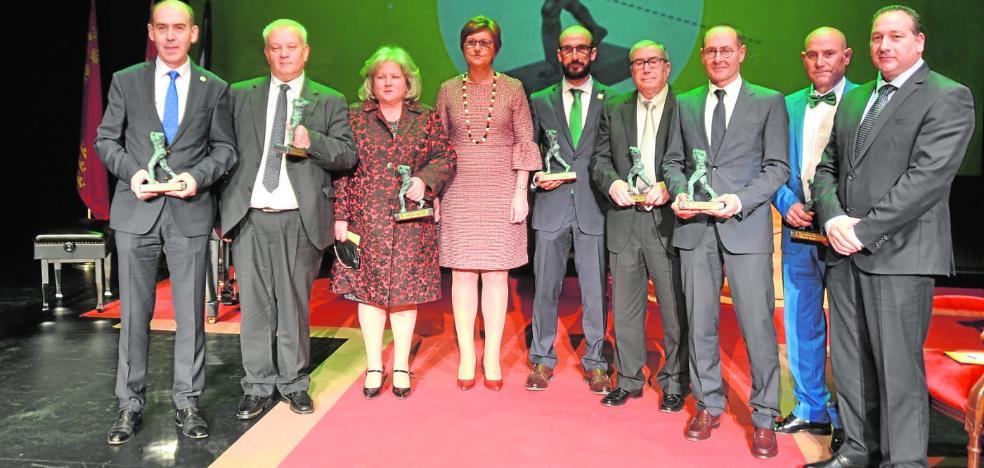 El Ayuntamiento reconoce a los mejores jumillanos de 2017 con los Premios Hypnos