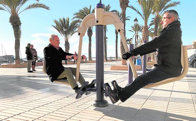 Instalan tres puntos de gimnasia para mayores