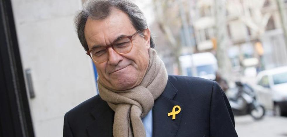 Mas cesa al frente del PDeCAT superado por la deriva de Puigdemont y por el 'caso Palau'
