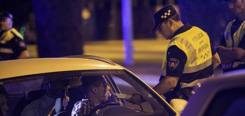 Más de 200 opositores a policía local de Murcia impugnan las bases por discriminación