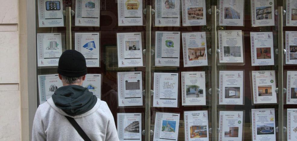 El exceso de 'stock' de viviendas todavía frena el despegue del sector inmobiliario