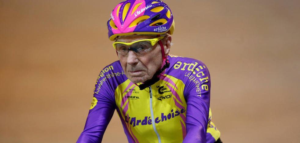 Se retira del ciclismo a los 106 años