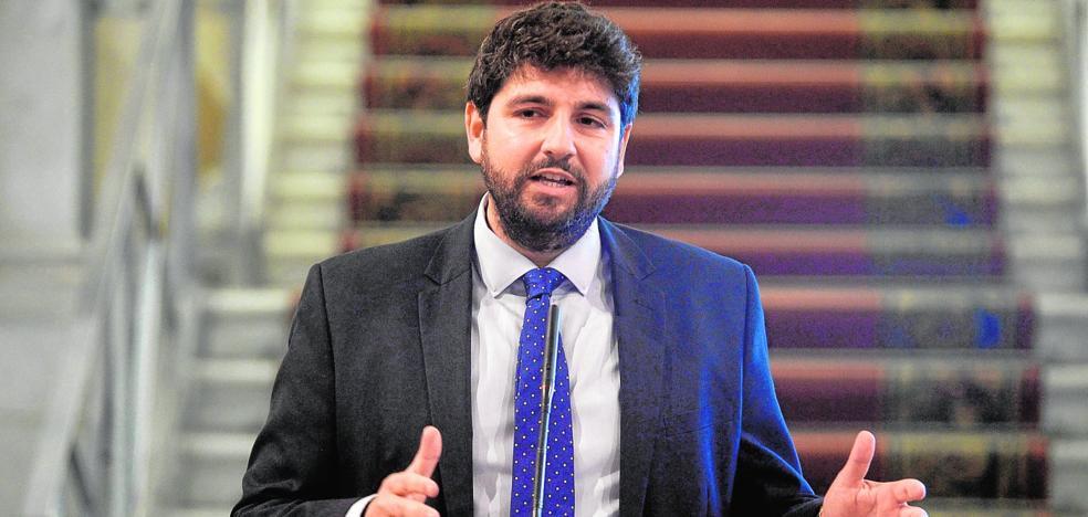 López Miras anuncia una rebaja del IRPF para «recuperar a las clases medias»