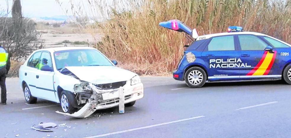 Herida una niña de 2 años en un accidente que causó su padre para eludir un control