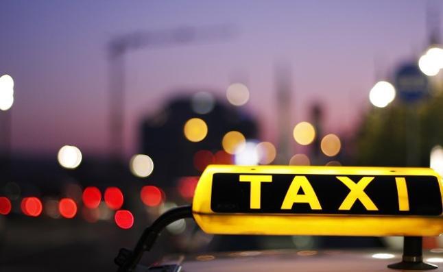 Un turista ebrio atraviesa 3 países en taxi para dormir en su cama