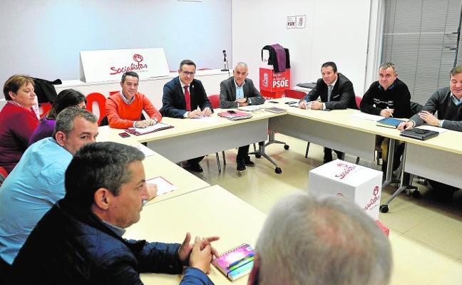 El PSOE exige a Miras que pague las cuotas del consorcio de bomberos