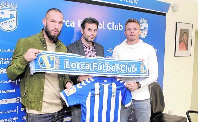 El Lorca FC presenta a Didier y a Nasuti y ficha a Joao Meira