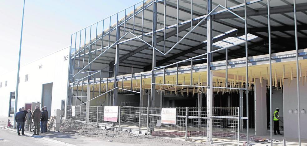 Urbanismo concede licencia para otras 25 naves en el polígono de La Hoya